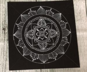 ペンで書く曼荼羅アート